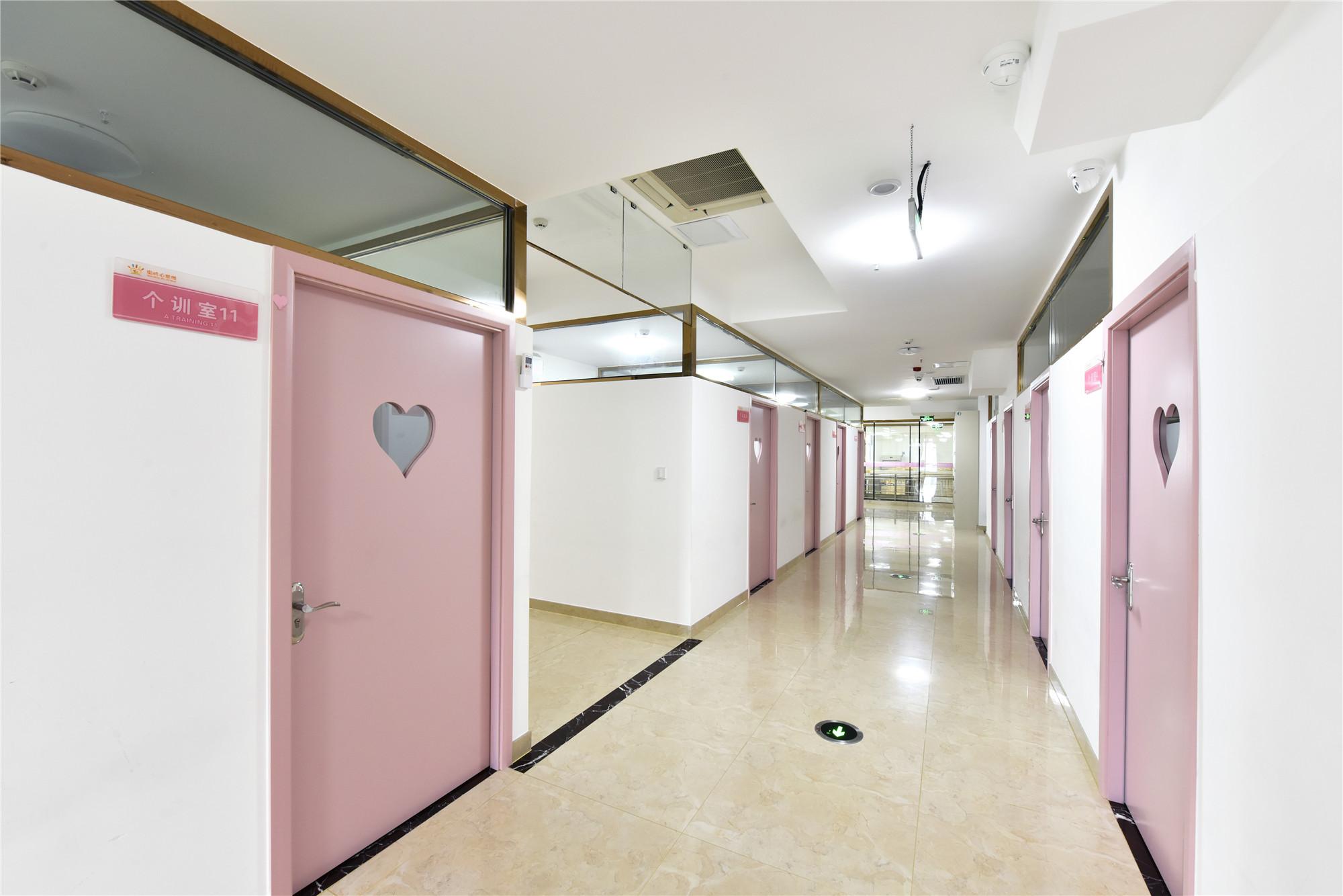 个训走廊2